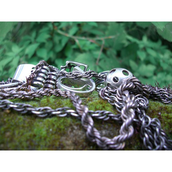 Neck chains come in a variety of styles.