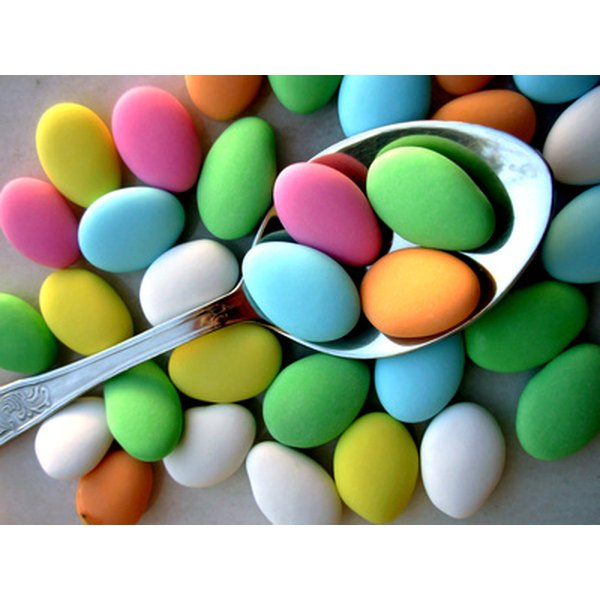 Traditionally, five sugared almonds are given as bomboniere.