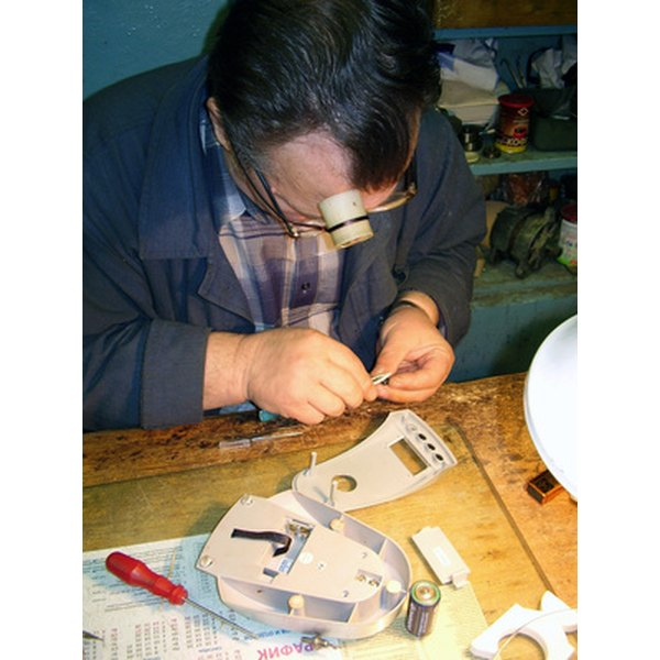 TechnoMarine watch batteries must be replaced by trained professionals.