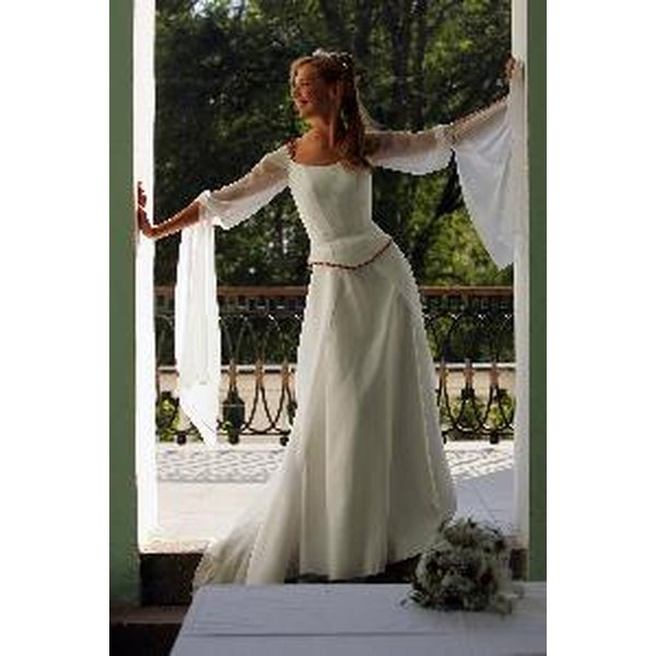 Wedding dress styles from the 39 70s our everyday life for 70s inspired wedding dress