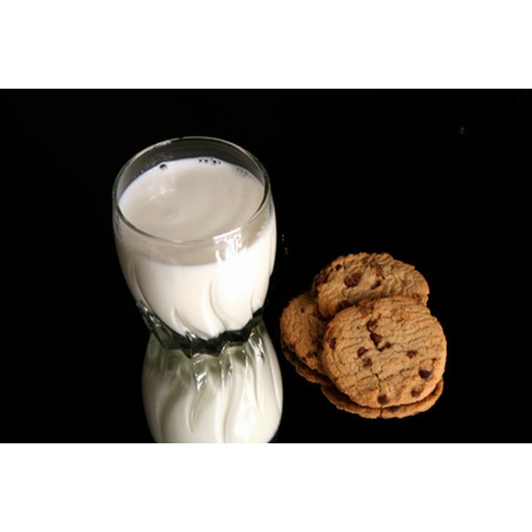 Dairy and sugar free diet plans do not allow milk and cookies.