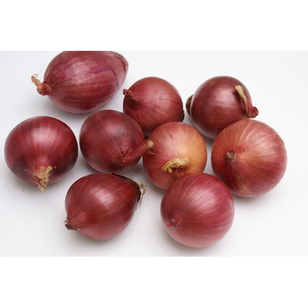 Onion extract can be used to treat acne scars.