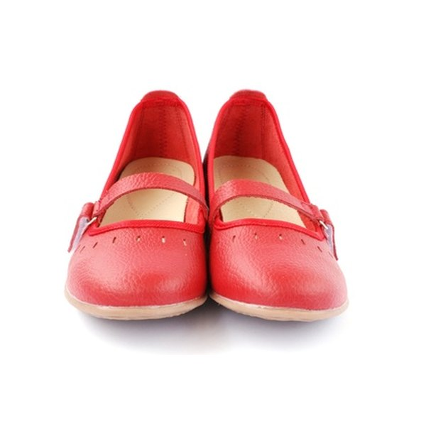 Wear flat soled shoes instead of heels to avoid varicose veins.
