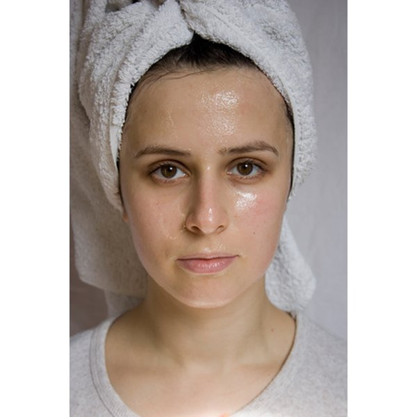 Face creams are available that contain both zinc and copper.