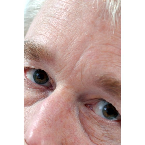 Undereye puffiness can be significantly reduced with the right eye serum.
