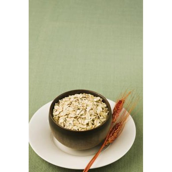 Oatmeal is a good breakfast choice for people with mouth ulcers.