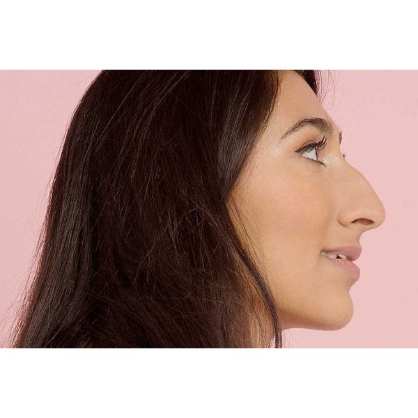 Freelance journalist Radhika Sanghani is proving that noses of all shapes and sizes are beautiful through her #SideProfileSelfie campaign.
