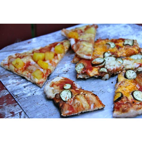 Grilled pizza is easy and delicious.