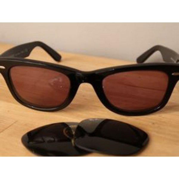 8d93c7ccf9 How to Replace Lenses on Ray Ban Sunglasses