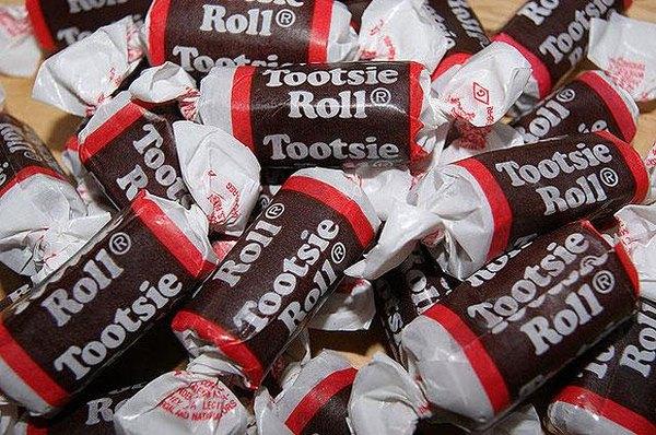 Todos los Tootsie Rolls están hechos de los restos de las mezclas del día anterior.