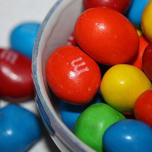 Estos dulces más sólidos tienen casi la misma cantidad de calorías que los M&M tradicionales.