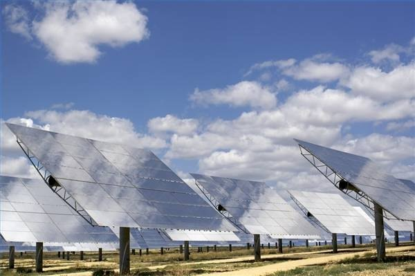 Mirror Array for Concentrating Solar Power Plant