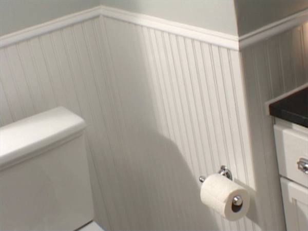 Ideas for Decorating with Beadboard in a Bathroom
