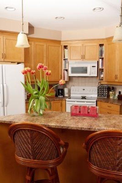 How To Decorate With Kraftmaid Honey Spice Cabinets