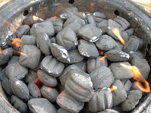 Charcoal briquettes are shaped by using algins from brown seaweed as binders.