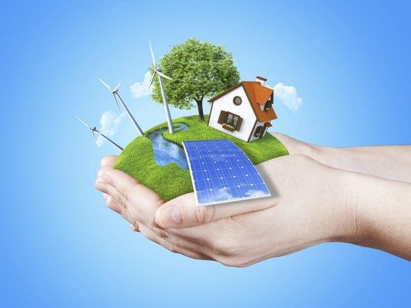 Painéis fotovoltaicos (vistos aqui em um telhado) captam a energia do sol e a converte em eletricidade.