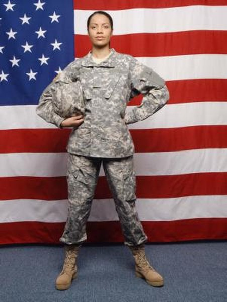 How to Lose Weight for Army Basic Training With Atkins - Woman