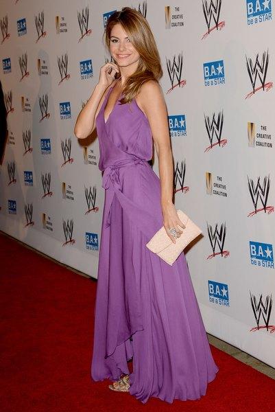 Personalidade da TV Maria Menounos na WWE SummerSlam VIP Kickoff Party, em agosto de 2012.