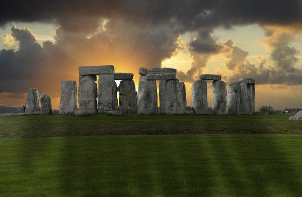Las piedras están alineadas con el Sol y con la Luna.