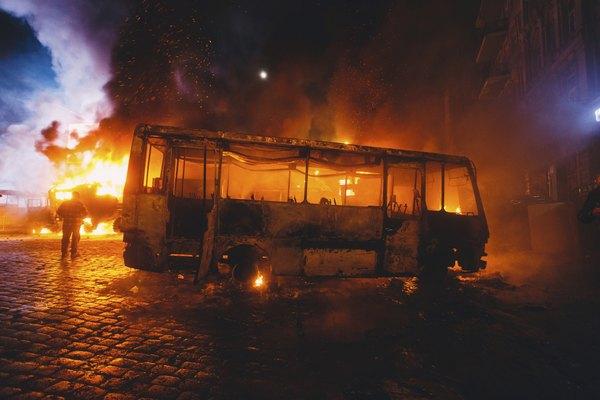 Vandalismo e gás lacrimogêneo