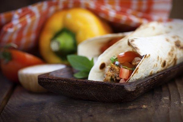 La comida mexicana es muy colorida.