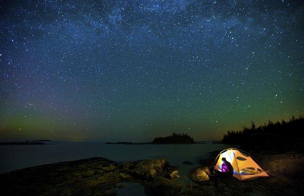 Passe uma noite olhando para as estrelas