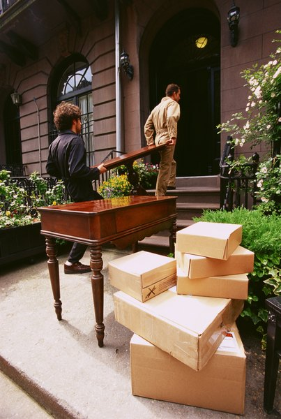 Donu0027t Let Delivery People In Your House Until Youu0027ve Inspected Your  Furniture