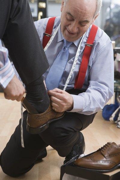 Los zapatos más formales vuelven armonioso el conjunto.