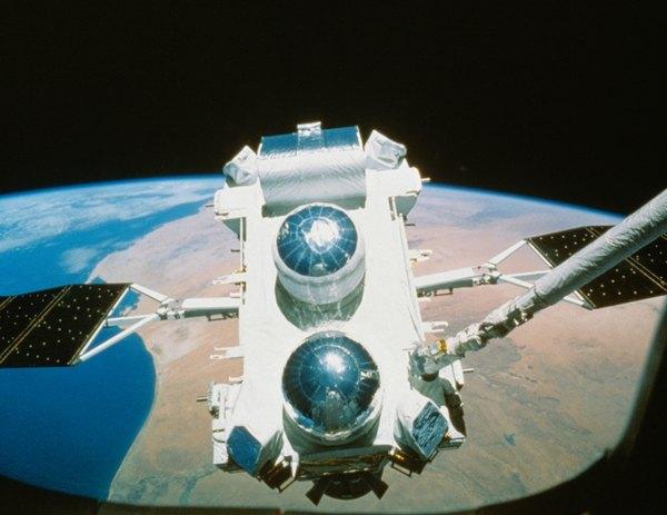 El primer satélite artificial fue lanzado al espacio por la Unión Soviética.