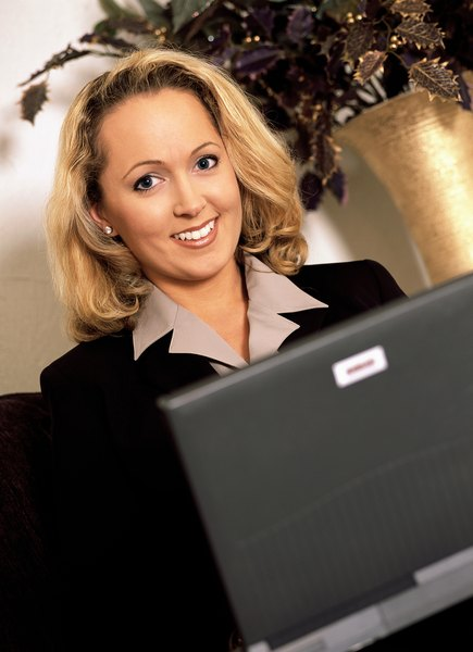 how to be a good personal assistant woman