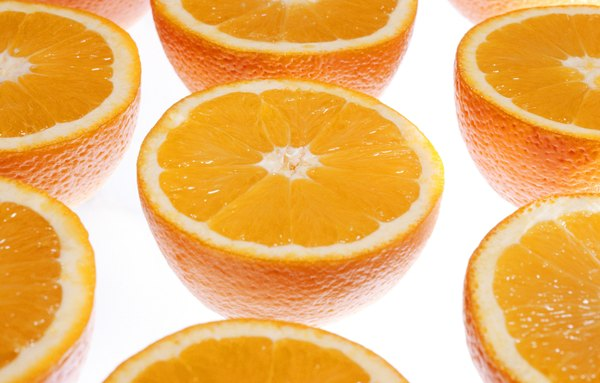 Incremente a tradicional receita de suco de laranja