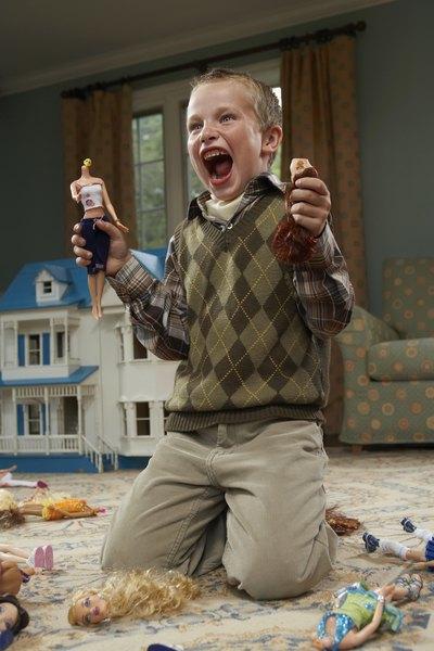 """A partir dos quatro anos, os meninos tendem a evitar mais as """"atividades de menina"""""""