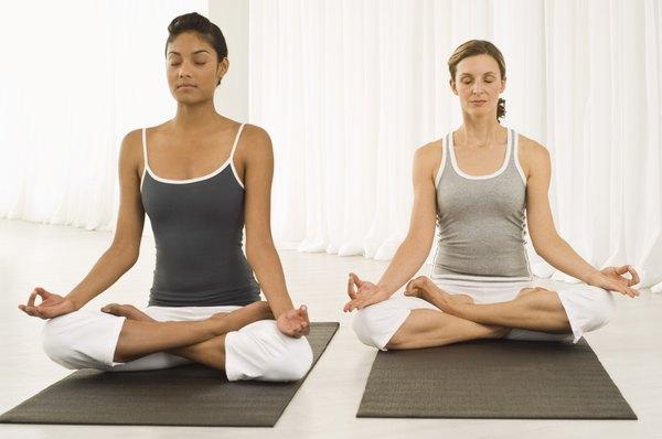 O Iyengar ioga está à procura de precisão, detalhes e alinhamento corporal adequado