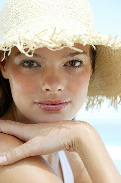 A fina e delicada pele dos lábios deve ser protegida com batons com filtro solar