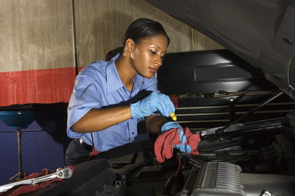 Pay Information For Mechanic Jobs Woman