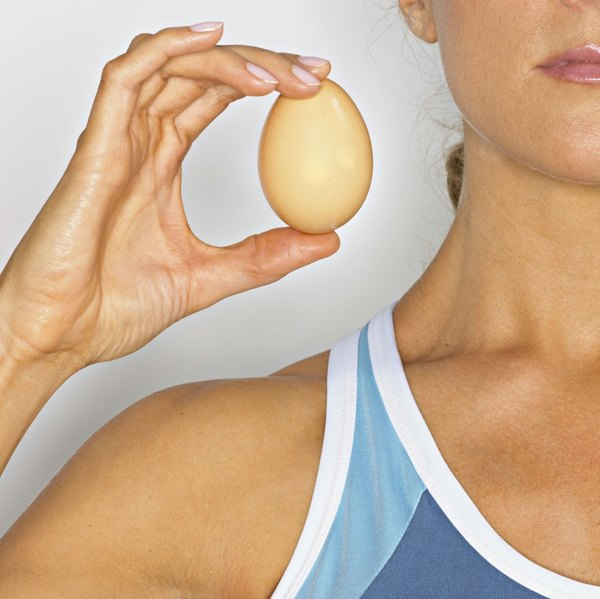 The amount of protein in an egg varies by the size.