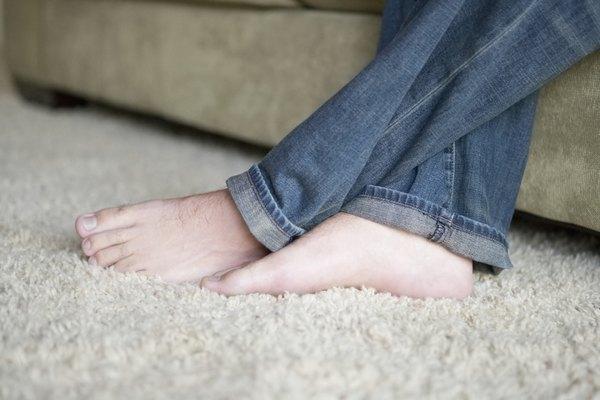 También dejar a tus pies libres durante un rato cuando llegas de trabajar es muy recomdable para que se ventilen y se sequen del sudor de todo el día.