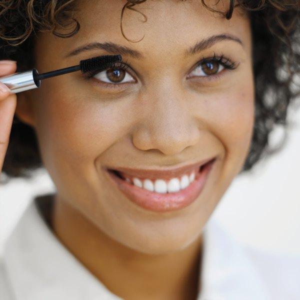 A maquiagem à prova d'água é sua melhor amiga!