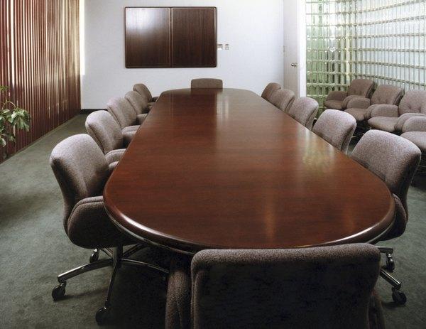 O chefe ausente apenas ocupa a posição formalmente, o trabalho fica todo a cargo da equipe