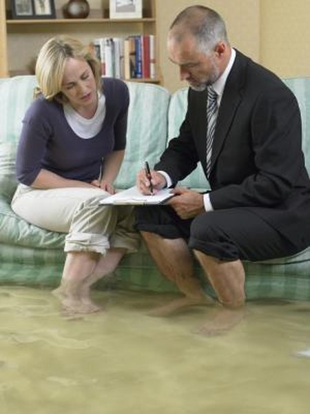 Federal flood insurance doesn't cover your car.