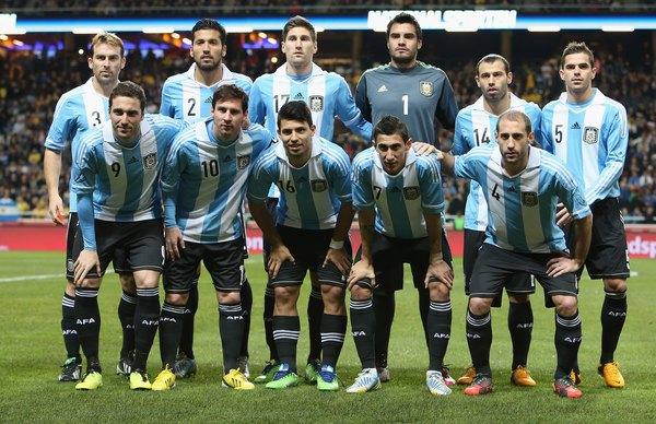 A seleção argentina de futebol obteve os títulos de 1978 e 1986