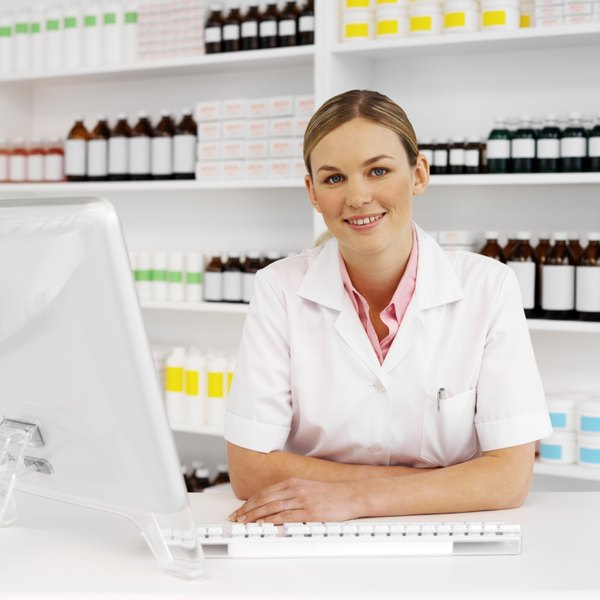 What To Wear For A Pharmacy Assistant Interview - Woman