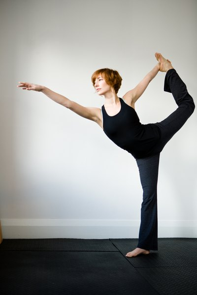 yoga exercises for reducing the buttocks woman