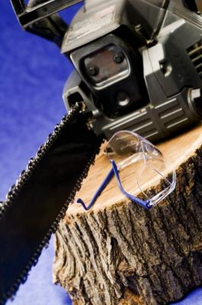 What Type of Oil for a Poulan Chainsaw? | Home Guides | SF Gate