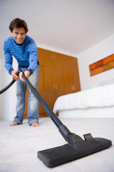 Limpiar es más fácil con la aspiradora que con la escoba.
