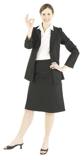 What Attire Should A Woman Wear To A Job Interview Woman