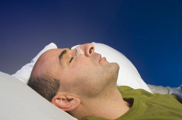 Sintetiza tus problemas de postura al dormir con almohadas sintéticas.