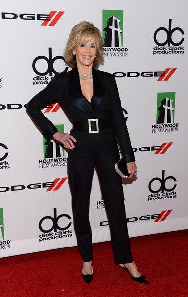 Jane Fonda continua dando aula de boa forma e estilo!