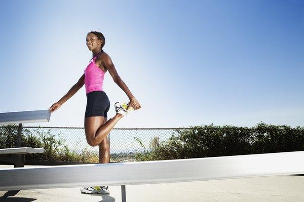 Faça alongamentos antes e após correr