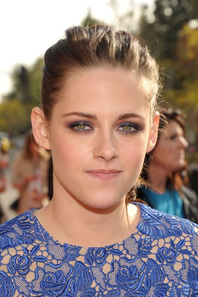 Tons azulados deixam olhos verdes com aparência de cansados